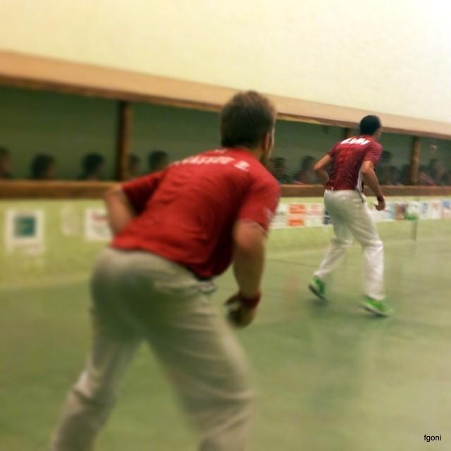 El pura sangre de Ibero jugó un gran partido con los mejores trinquetistas de Iparralde .